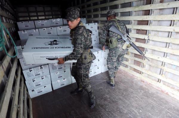 Comienzan las elecciones en Honduras con un llamamiento a votar masivamente
