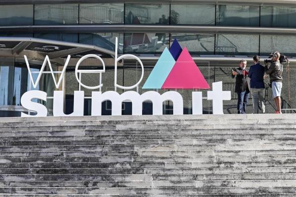 La Web Summit abre con un llamamiento a prever los riesgos de la tecnología