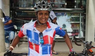 Ciclista Juana Fernández pone a prueba 23 años de experiencia en juegos Bolivarianos