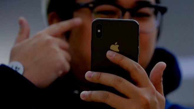 Apple reconoce uso irregular de estudiantes para fabricar iPhone X en China