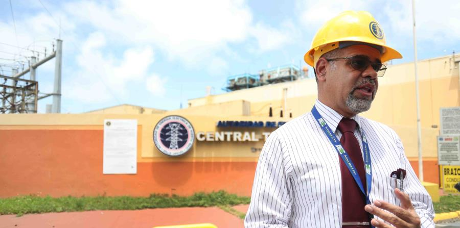 Eléctrica de Puerto Rico dice que pagó a polémica firma que levanta red de la isla