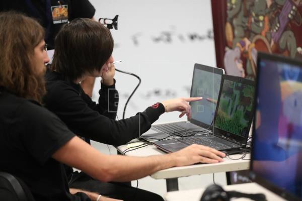 Líderes sector del videojuego revisan tendencias del mercado en Montevideo