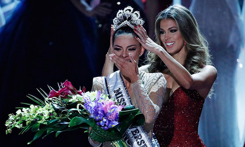 La sudafricana Demi-Leigh Nel-Peters es la nueva Miss Universo