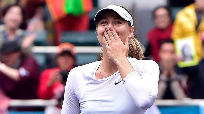 María Sharápova recibe una propuesta de matrimonio por parte de un fan en Turquía