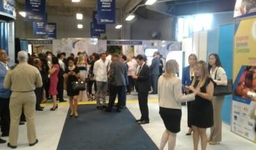 Feria de emprendedores continúa este martes y decenas de jóvenes presentan sus proyectos