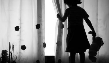 Cadena perpetua para dos tíos de niña india que dio a luz tras ser violada