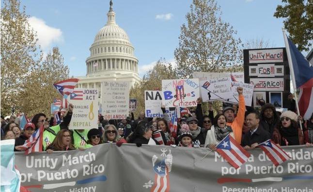 Miles de personas reclaman en Washington ayuda urgente para Puerto Rico