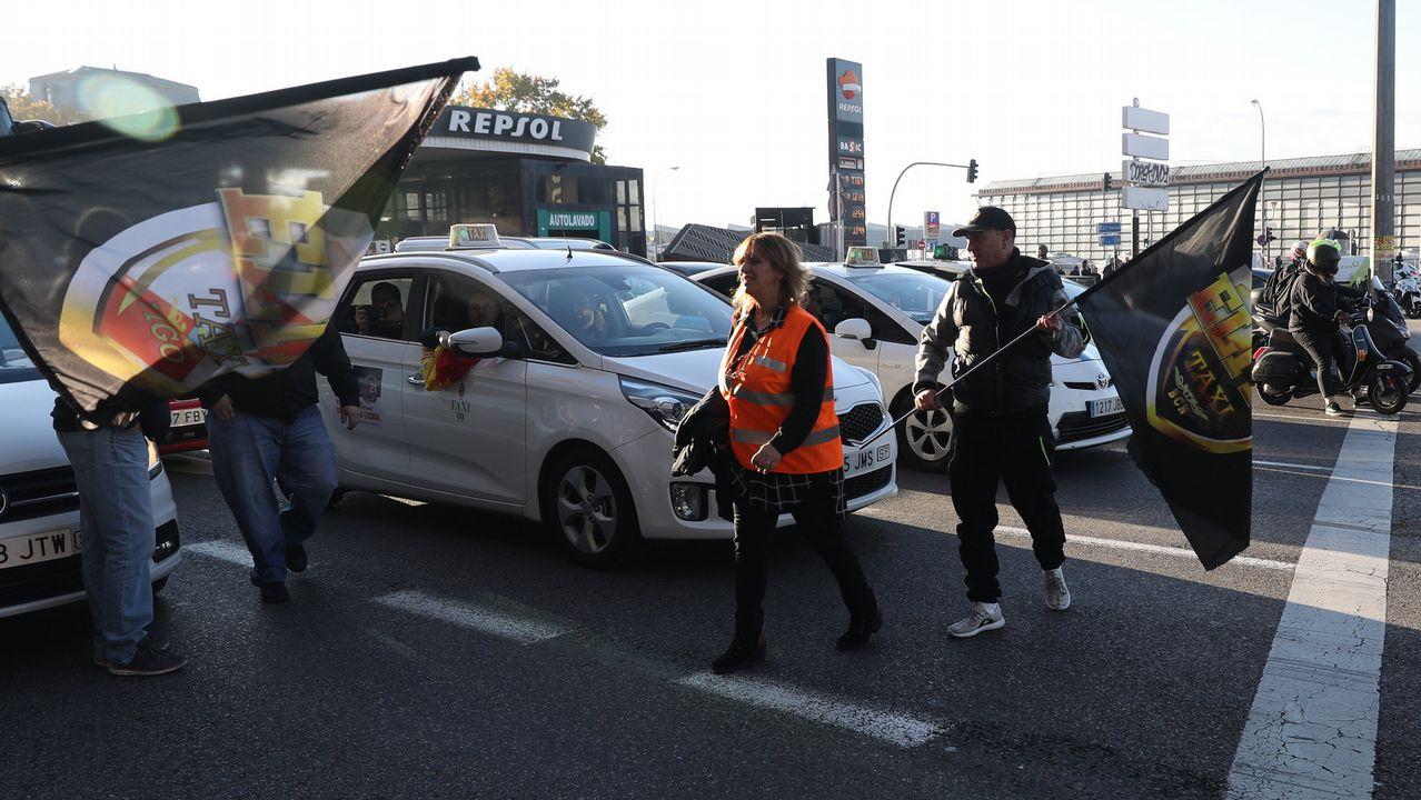 España amanece hoy sin taxis en protesta contra Uber o Cabify