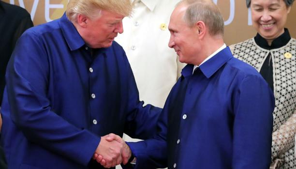 La inteligencia de EE.UU. desconcertada por la deferencia de Trump ante Putin