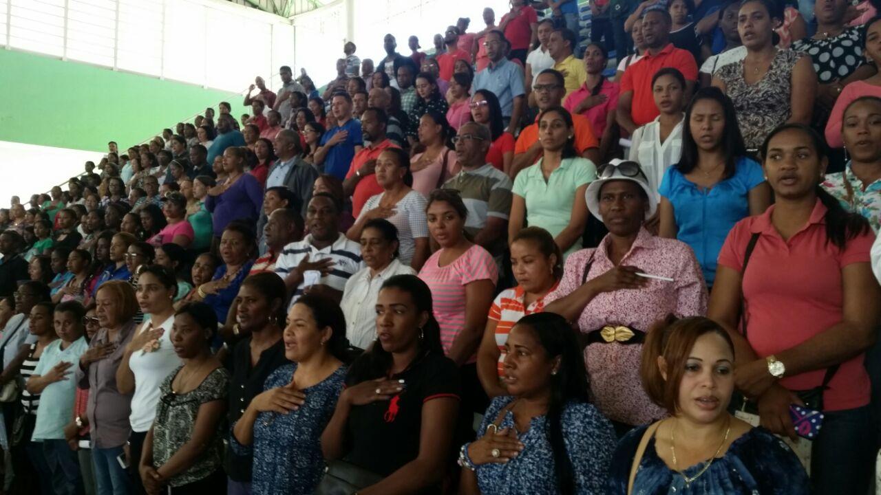 Anuncia proyecto de viviendas para maestros en Hato Mayor