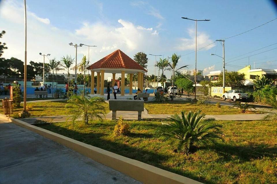 Inauguran Parque Los tres Ojos en el Ensanche Isabelita
