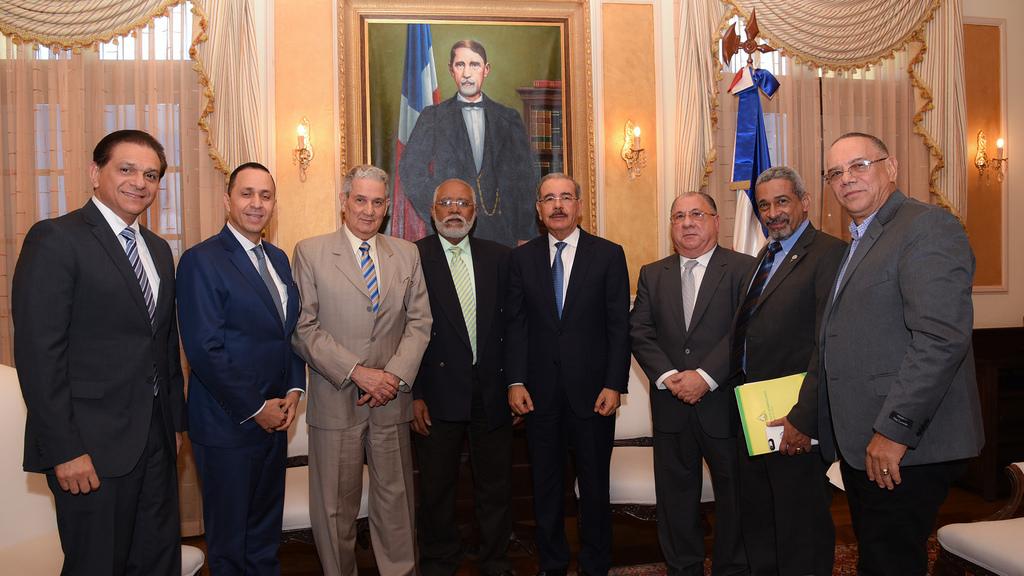 Presidente Medina se reúne con el presidente del CMD