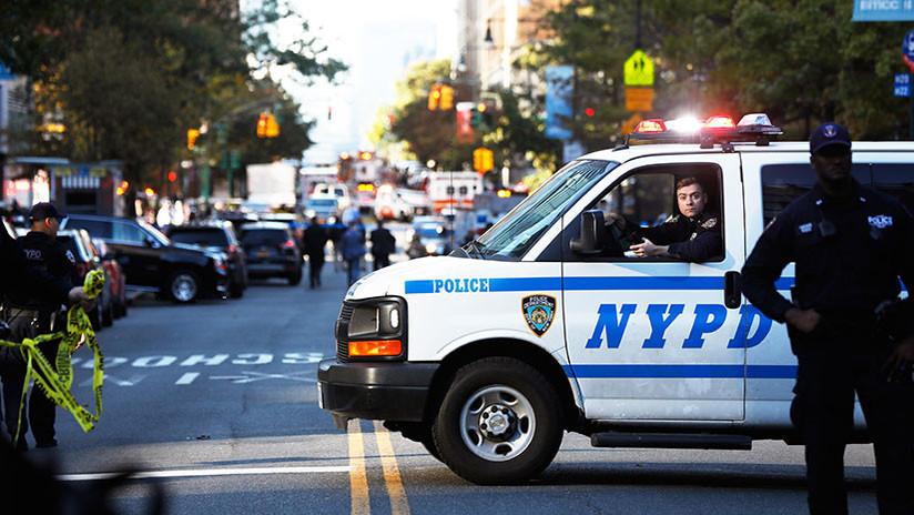 Un vehículo embiste a peatones en Nueva York, dejando un muerto y varios heridos