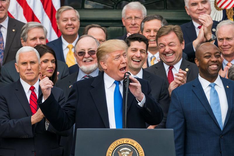 Trump celebra por todo lo alto su primera gran victoria con la reforma fiscal
