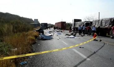 Fallecen tres personas en accidente de tránsito en Montecristi