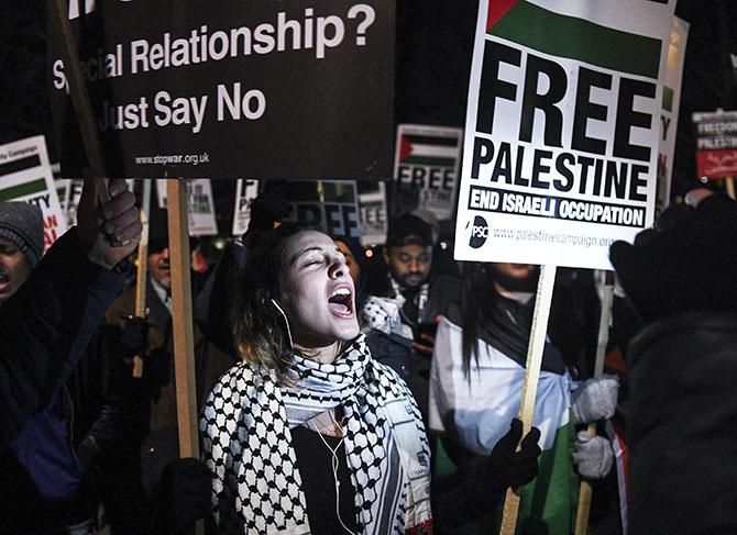 Cientos de personas protestan en Londres por anuncio de Trump sobre Jerusalén