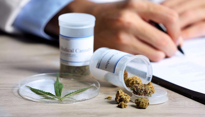Uruguay autoriza la venta del primer medicamento a base de cannabis