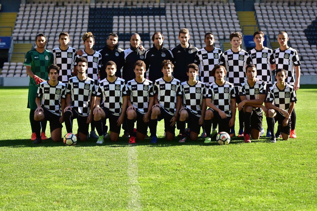 Equipo de fútbol de Portugal integrado por dominicanos se enfrentará a dos equipos locales