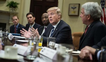 Jueza de EEUU bloquea derogación de Trump de la cobertura de anticonceptivos