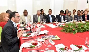 Andrés Navarro recibe aprobación del CNE para plan estratégico institucional