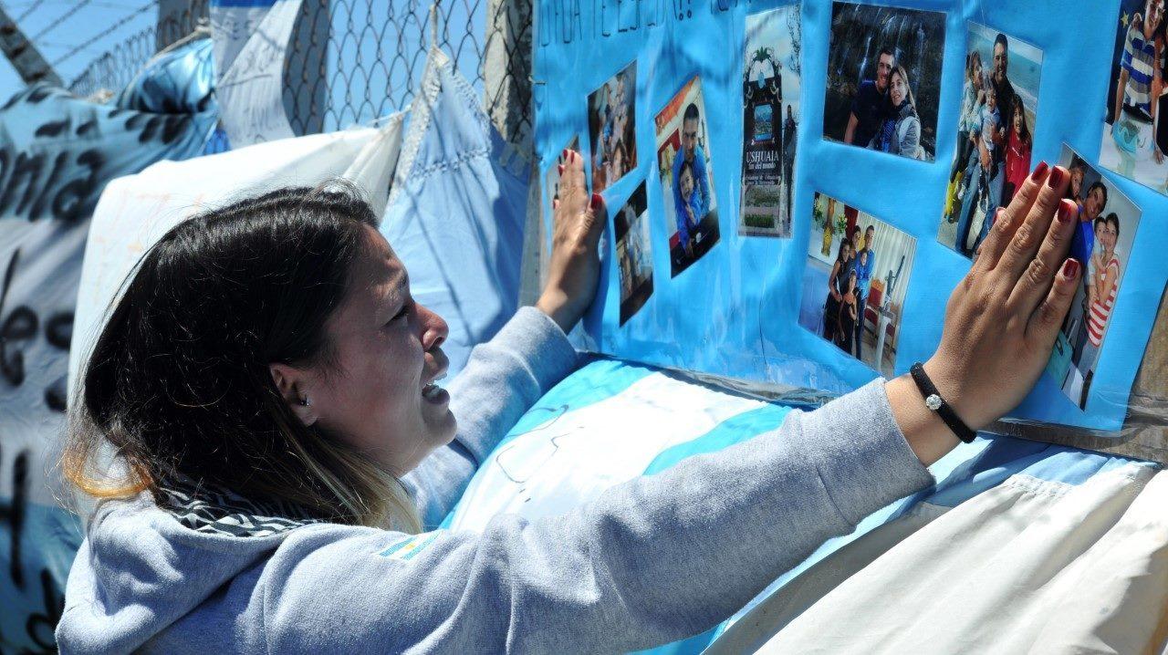 Familias de submarinistas, con angustia y tristeza porque no habrá rescate