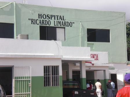 Desalojan pacientes de Cuidados Intensivos en hospital Marcelino Vélez Santana