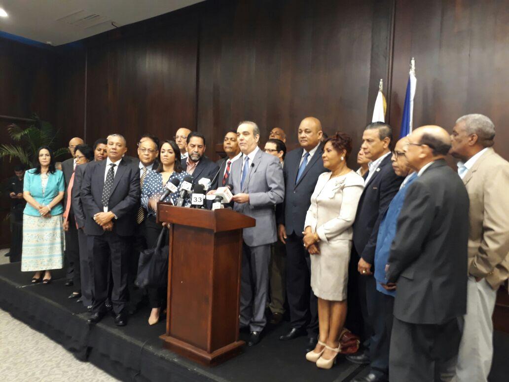 Luis Abinader llamó a los partidos políticos a ponerse de acuerdo para aprobación de primarias