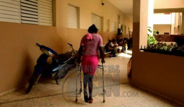Mujer denuncia que su pareja la agredió hace un año y que aún continúa en libertad