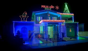 Hombre compra generador eléctrico para encender luces de navidad en PR