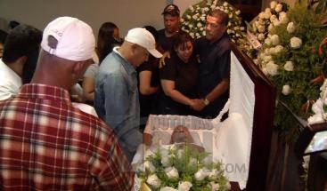 Velan restos de coronel pensionado de la PN asesinado en Las Caobas