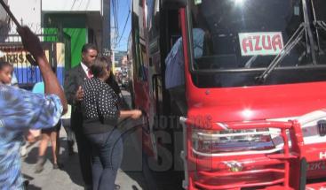Pasajeros de la ruta Azua-Santo Domingo se quejan del alza de los pasajes