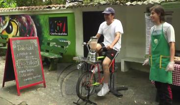 Una bicicleta que nos permite ejercitarnos y preparar jugos al mismo tiempo