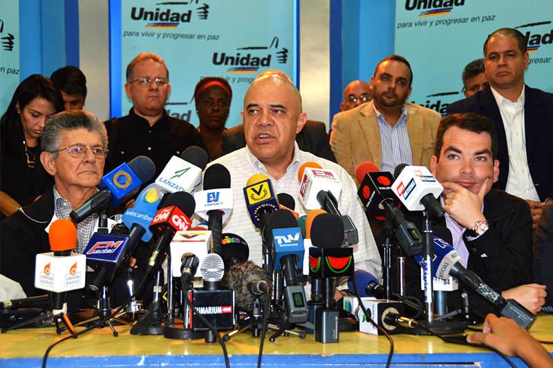 Oposición venezolana sólo firmará con Gobierno acuerdo para salida electoral