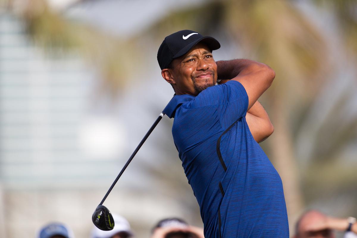 Tiger Woods acaba con -8 en su regreso