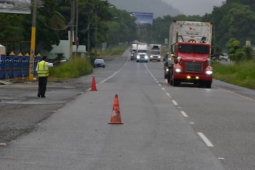 Un choque múltiple en la autopista Duarte, cuando una patana intentó esquivar unos cerdos
