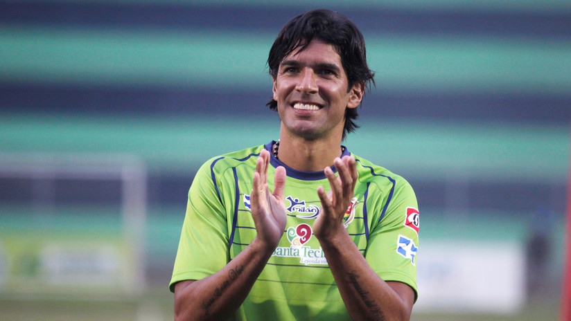 Un uruguayo se convierte en el futbolista que ha jugado en más clubes