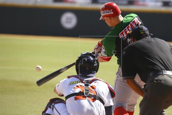 Mujeres ampáyeres suenan su voz para ganar un lugar en el béisbol mexicano