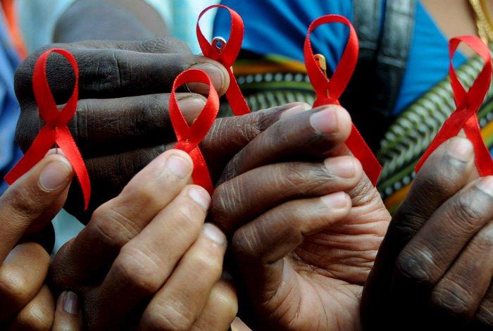 Latinoamérica lucha por frenar el sida entre llamados urgentes a más acciones