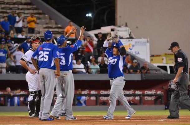 Tigres vencen Gigantes y siguen invictos en semifinal del béisbol dominicano