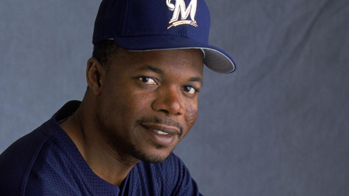 El ex Grandes Ligas dominicano Tony Fernández está hospitalizado en Florida