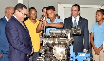 Ministro de Educación destaca avances del sistema educativo en el 2017
