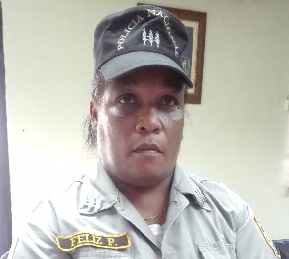 Apresan mujer en SDE acusada de usurpar cargo de capitán de la PN