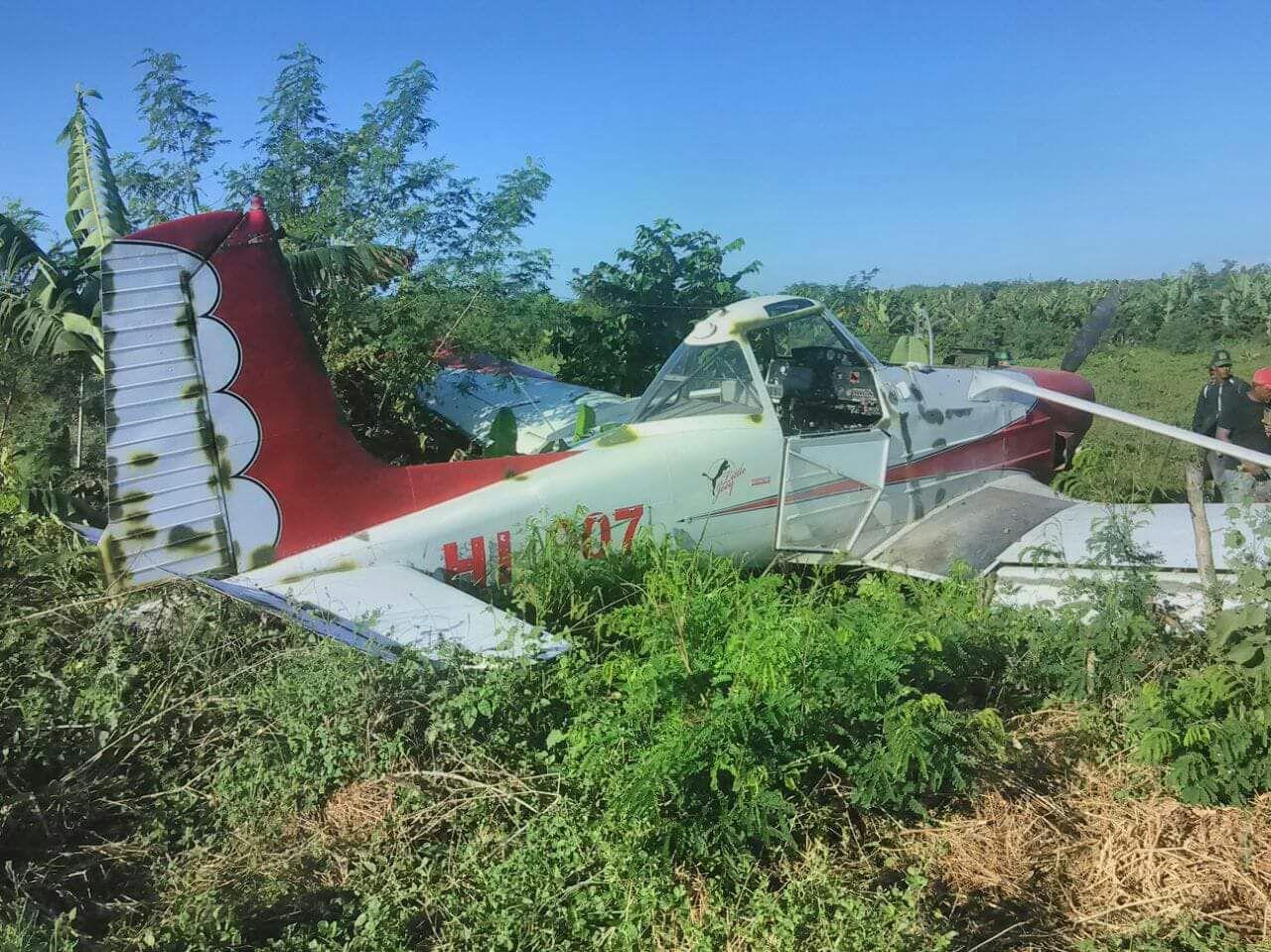 Cae avioneta fumigaba plantación agrícola en Montecristi
