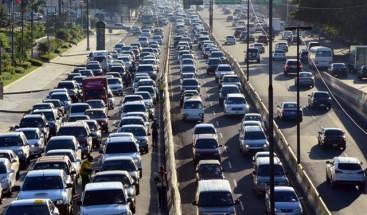 Congestionado tránsito vehicular en el DN por nochebuena