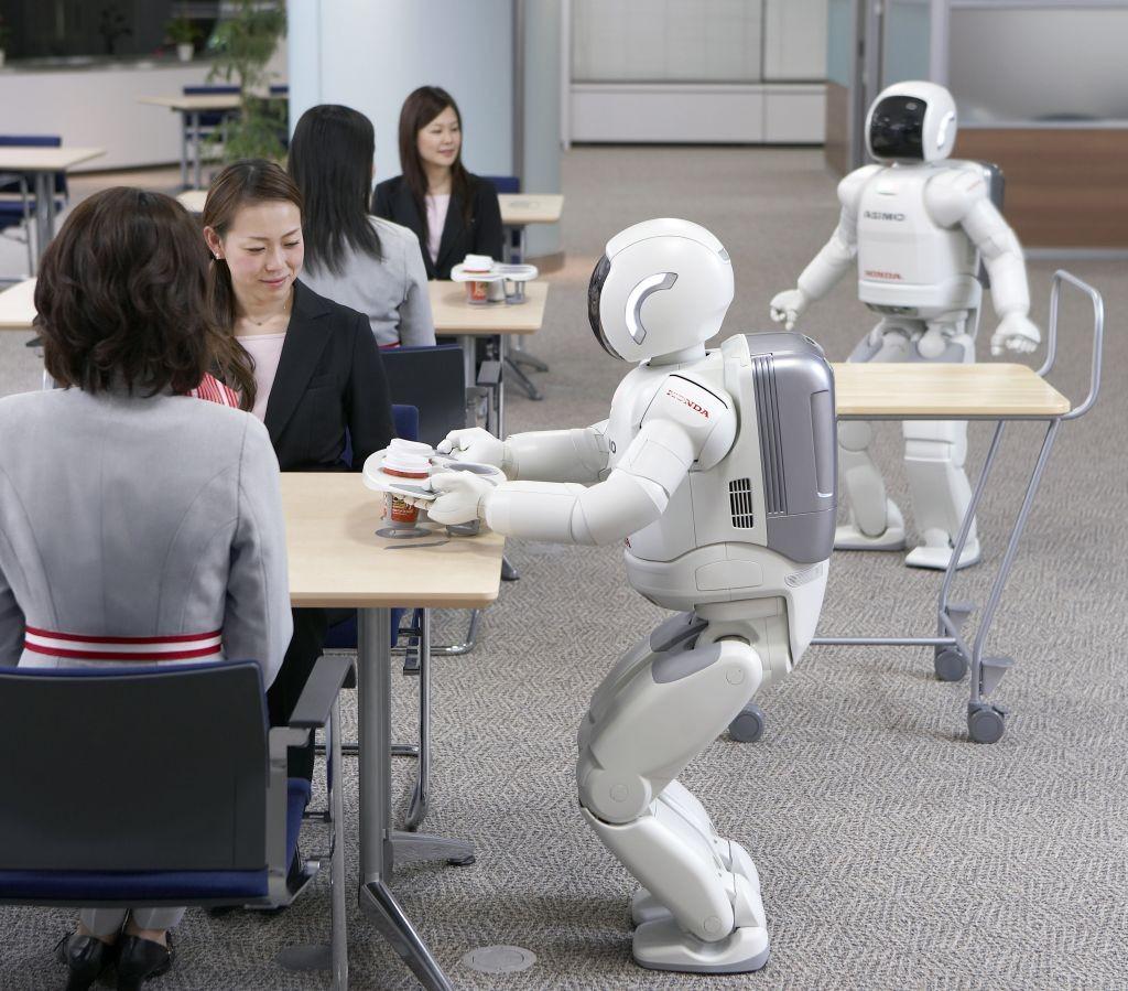 La imitación y un centro de operaciones, esenciales para robots más humanos