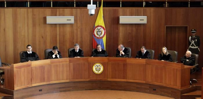 Corte colombiana abre indagación preliminar a 3 senadores por caso Odebrecht
