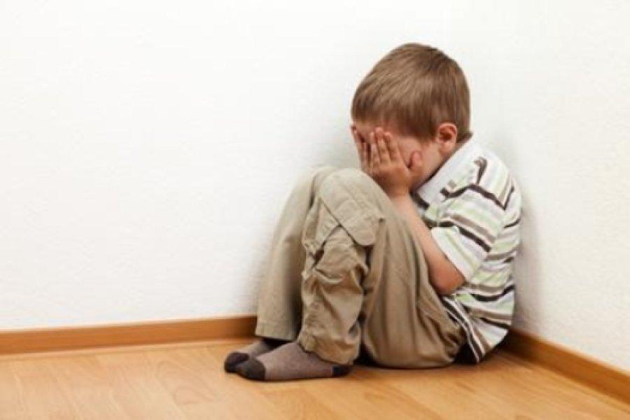 Entorno familiar y acoso escolar influyen en depresión infantil, dice experto