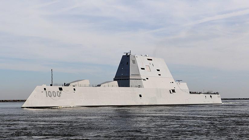 El nuevo destructor furtivo de EE.UU. sufre un fallo técnico el segundo día de pruebas