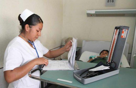 Enfermeras advierten no habrá paz si el presidente Medina promulga ley que crea el CMD