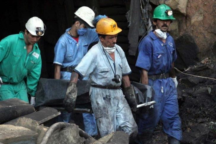 Aumentan a ocho los muertos en la explosión de una mina en Colombia
